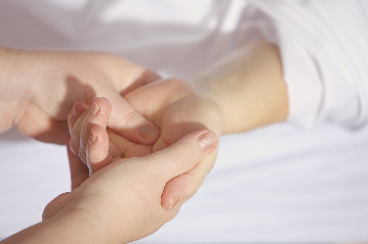 Un accompagnement fait avec discrétion, un soutien spécifique afin d'apporter des soin de confort.
